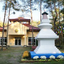 Gompa-i-Stupa-w-Chamma-Ling